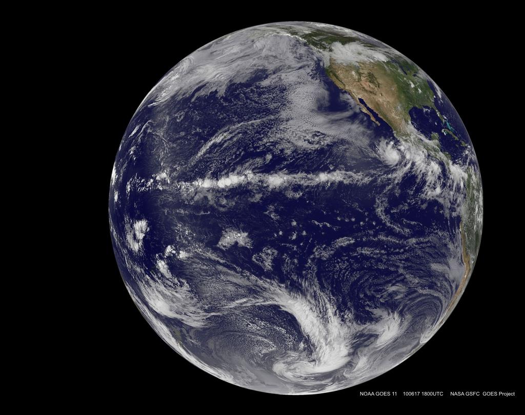 Jordytan består till mer än 2/3 av vatten. Däremot är våra oceaner grunda, vilket gör att  mängden vatten är mindre än man vanligtvis föreställer sig.