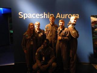 Spaceship-astronauterne fra Silkeborg 2015 efter en tur op i rummet til nordlyset.
