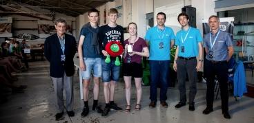 Tre fjärdedelar av SG Can Science 2015 från Danmark belönades med tredje plats och därmed bästa Nordiska placering detta år. Credit: ESA education / Dario