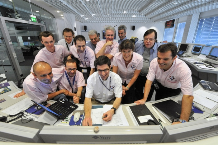 Rosetta flight control team seen in the mission's Dedicated Control Room during the flyby of asteroid Lutetia, 10 July 2010 Image: ESA/J. Mai - CC BY-SA IGO 3.0