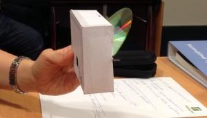 Ett spektroskop du enkelt kan tillverka av pappersask och CD-skiva
