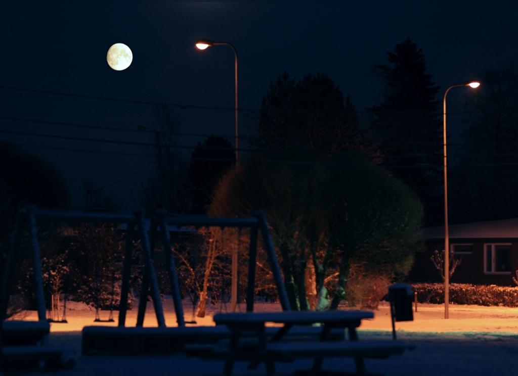 Månen över Sandsund, Pedersöre, 12.11.2016