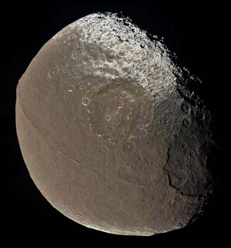 Iapetus (1)