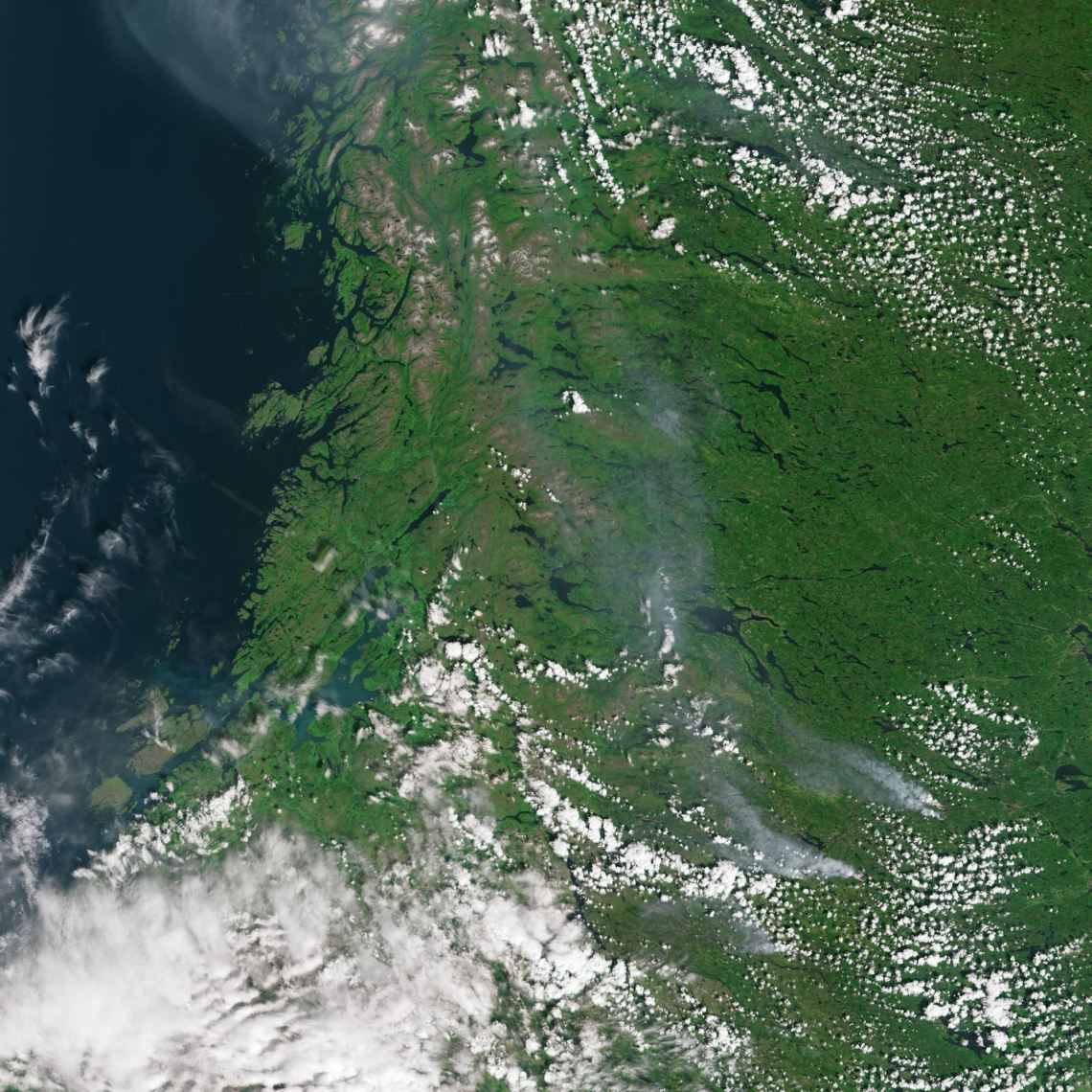 Smoke_from_fires_in_Sweden