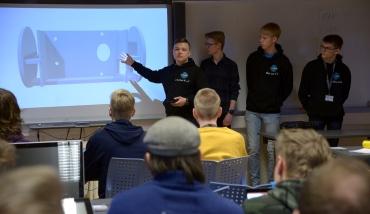 SS Tofnik from Kongsbakken VGS presenterar sitt projekt