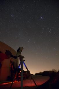 Plejaderna i teleskopet